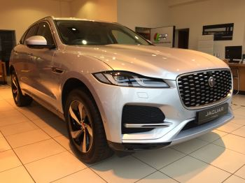 Jaguar F-PACE Stock cars available Immediately with all models available for early delivery.  2.0 Diesel Automatic 5 door 4x4 (2021)